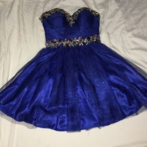 💙 gorgeous blue prom/ special occasion dress. 💙